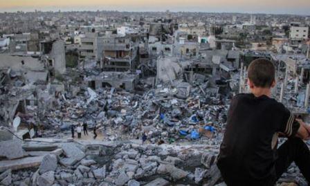 دائرة اللاجئين بـ«الديمقراطية» تحذر من تداعيات استمرار الأونروا وقف دفع بدل الايجار لأصحاب البيوت المدمرة بغزة