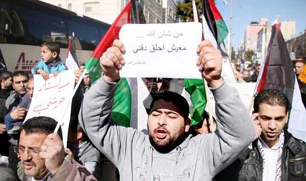 ألم يحن الوقت لإنقاذ شبابنا من براثن الانتحار في غزة؟