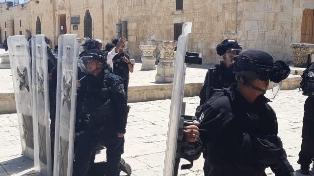 الاحتلال يعيد فتح بوابات الأقصى أمام المصلين