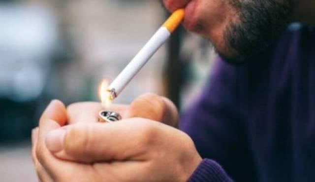 الكشف عن معدلات قياسية لاستهلاك الغزيين من السجائر والمعسل