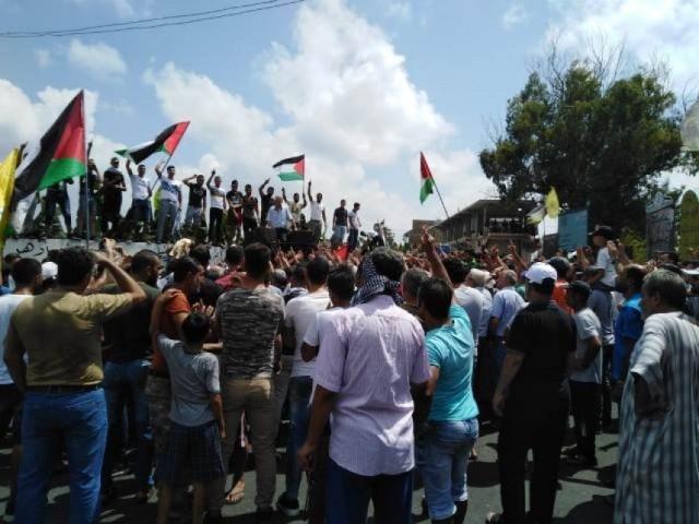 7 فلسطينيين يضربون عن الطعام احتجاجا على قرار وزارة العمل اللبنانية