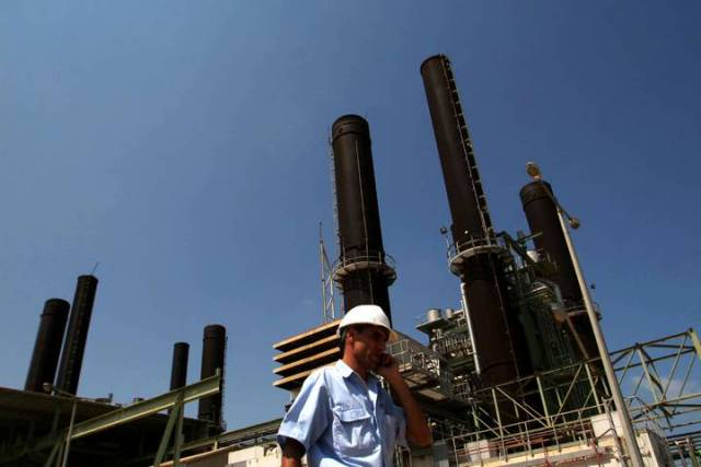 مصادر :  بدء تجهيز خزان وقود إضافي لمحطة كهرباء غزة