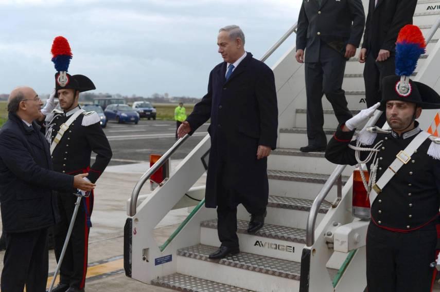 لماذا تم تغيير طائرة نتنياهو في بولندا؟