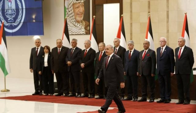 صحف غربية: التحدي الاقتصادي...المهمة الأبرز الآن أمام الحكومة الفلسطينية