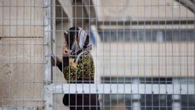 الاحتلال يحرم الأسيرات من حقوقهن في التجمّع والخصوصية