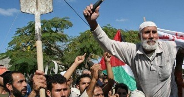 في يوم العمال .. الإحصاء: ارتفاع في معدل البطالة في غزة وانخفاضه في الضفة