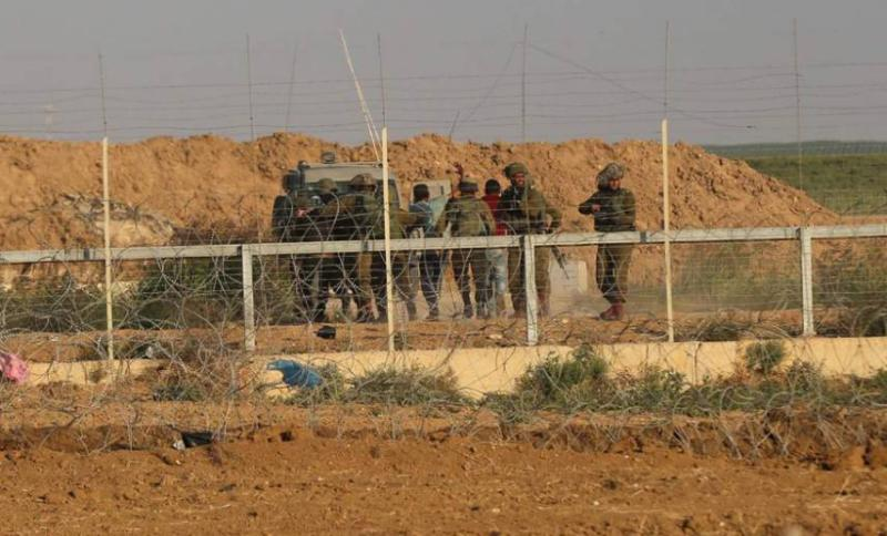 مركز حقوقي: 628 انتهاكًا على حدود غزة خلال النصف الأول من العام الجاري