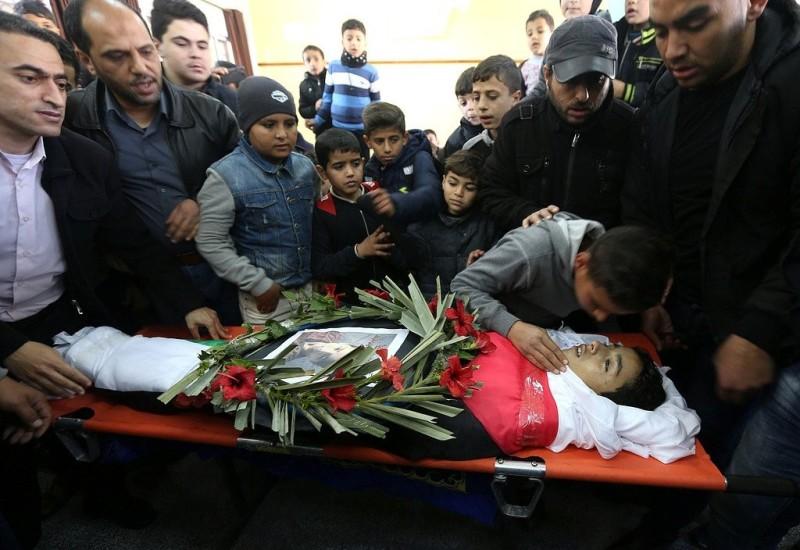 6 شهداء و420 معتقلًا فلسطينيًا خلال أبريل الماضي