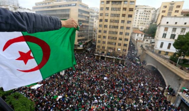 الجزائر : 15 يوما مهلة لإعلان موعد انتخابات الرئاسة