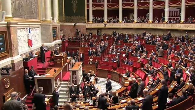 البرلمان الفرنسي يصوت على قانون منع ضرب الأطفال