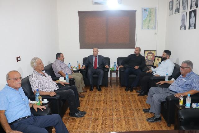السفير الكوبي يزور مقر الجبهة الديمقراطية في بيروت ويلتقي قيادتها
