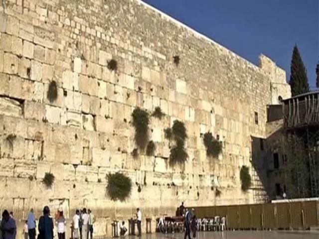 الأردن يدين نصب إسرائيل أعمدة وهياكل قرب حائط البراق