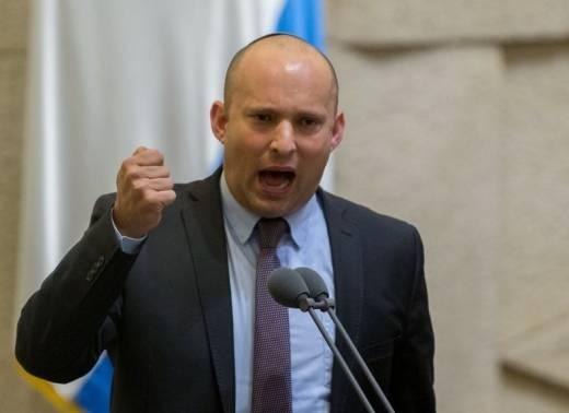 بينيت يغادر وزارة الجيش بعد المصادقة على عدد من المشاريع الاستيطانية الخطيرة بمباركة نتنياهو