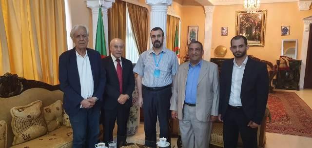 «الديمقراطية» تلتقي السفير الجزائري في لبنان