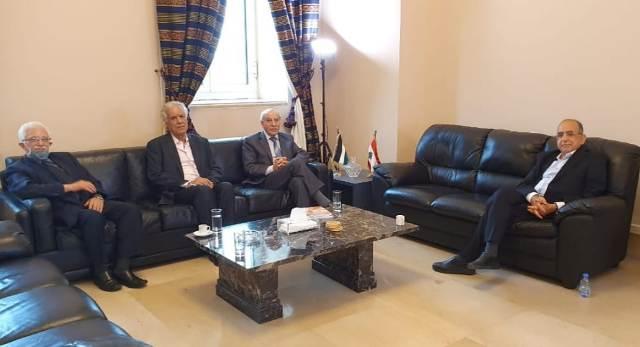 «الديمقراطية» ولجنة الحوار اللبناني الفلسطيني تعرضان قضايا الفلسطينيين في لبنان