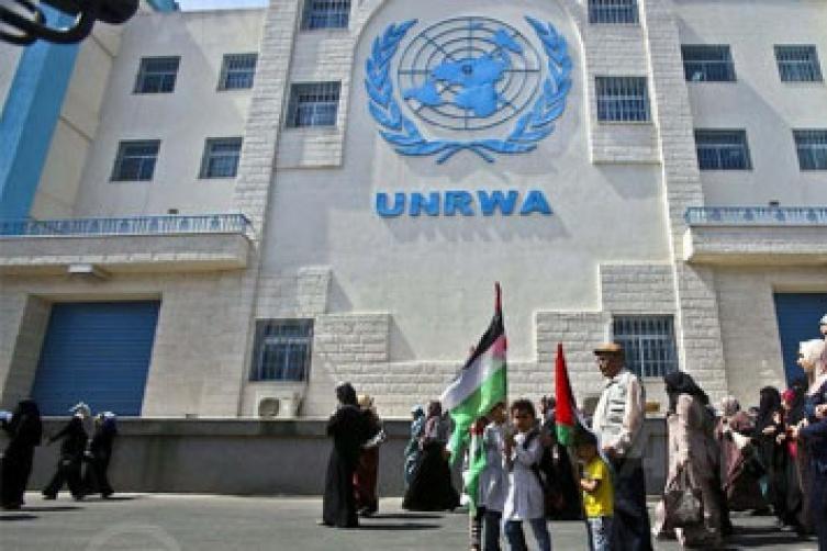 الاونروا تستأنف توزيع المساعدات الغذائية على اللاجئين بغزة