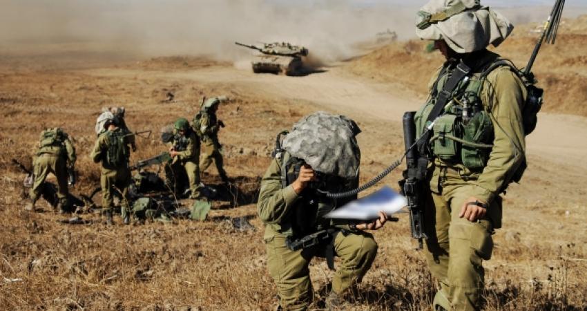 تقرير: جيش الاحتلال يتلقى تعليمات بالاستعداد لاحتمال ضربة أمريكية على إيران