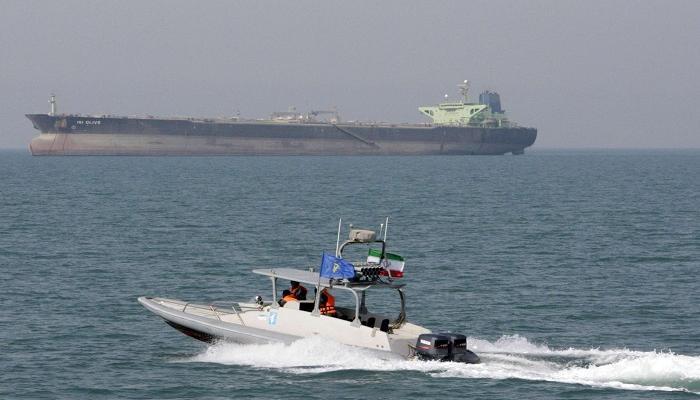 بحرية الاحتلال تعثر على فرنسي مصاب على متن قارب بالقرب من غزة