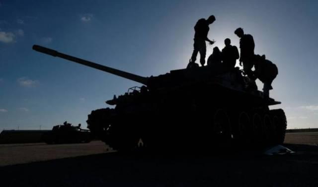 ليبيا : قوات حفتر تقصف المدنيين بصواريخ غراد