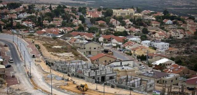 الاحتلال يستولي على مساحات واسعة من اراضي المواطنين لفائدة المشاريع الاستيطانية