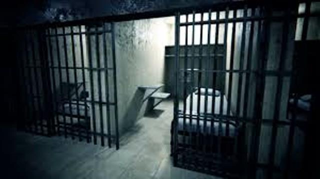 الاحتلال يزعم مقتل أسير على يد أخر داخل سجون الاحتلال