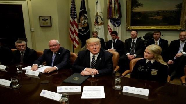 الإدارة الأميركية تفشل بإقناع الدول المضيفة بتخفيض عدد اللاجئين الفلسطينيين