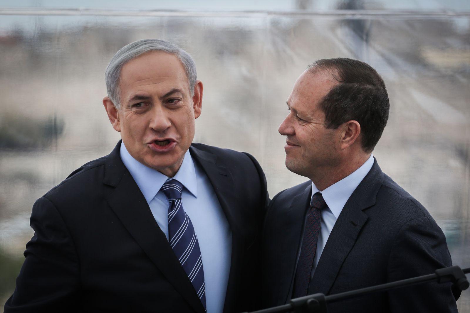 مقرب من نتنياهو: سيسلم الراية ولن يطلب التمديد
