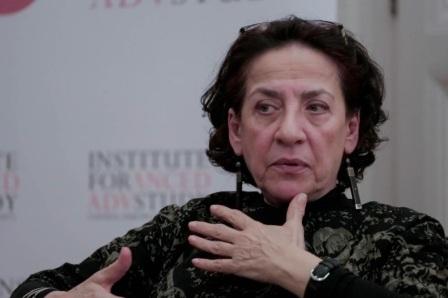 وسط ترحيب نقدي وإعلامي هدى بركات تفوز بجائزة البوكر للرواية العربية