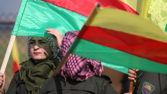 ترامب يتوعد بتدمير تركيا «اقتصاديا» إذا هاجمت الأكراد في سوريا