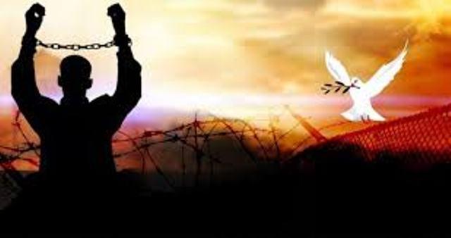 سبب  نقل إدارة المفاوضات مع أسرى حماس لـ«الشاباك»