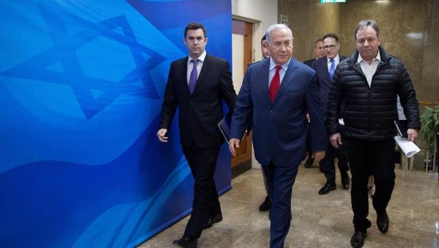 ساعر وغانتس ينتقدان وقف العدوان على غزة