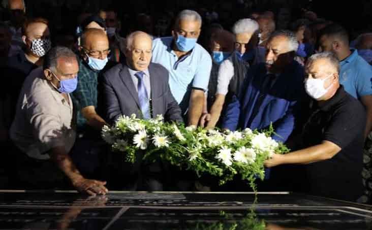 صبيحة العيد: اكاليل ورد باسم الجبهة الديمقراطية على اضرحة الشهداء في بيروت ومخيماتها