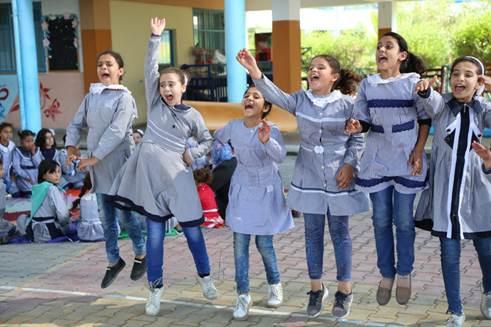 الأونروا تخفف من الضغوط الاجتماعية والنفسية على الأطفال في غزة من خلال نشاطات وألعاب بعد دوام المدرسة