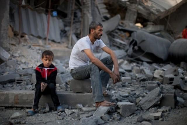 الاونروا : فرصة  للعمل مقابل المال بعد تعليق دفع بدل الايجار بغزة