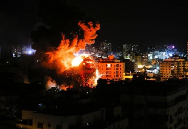 بتسليم : الاحتلال  تعمد قصف مبانٍ في غزة بدون إنذار