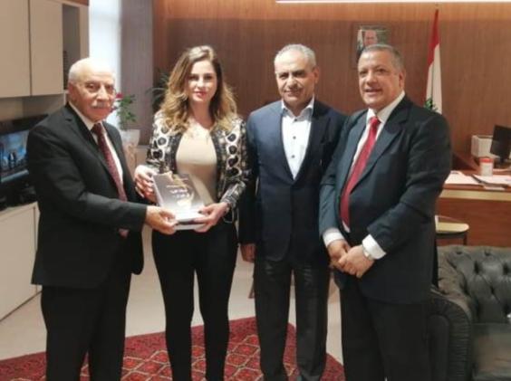 فيصل يدعو لاقرار الحقوق الإنسانيه دعما لصمود اللاجئين في لبنان