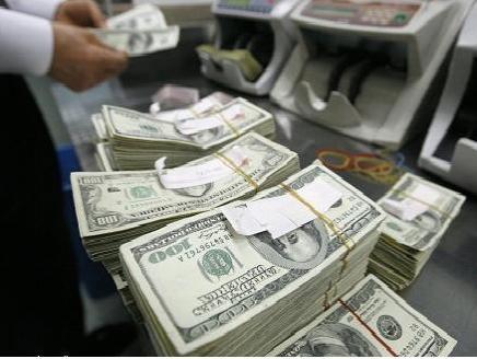 الدولار بصدد أكبر انخفاض أسبوعي منذ أواخر مارس