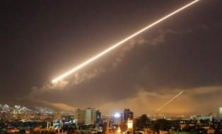 الدفاع الجوي السوري يعترض هجوما صاروخيا على مطار الضبعة بحمص