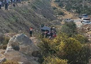 مقتل 23  في حادث اصطدام شاحنة تقل مهاجرين في ليبيا