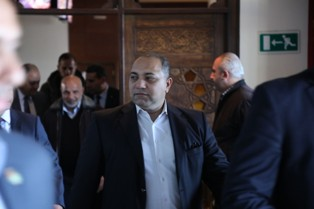 الوفد الأمني المصري يبحث مع هيئة المعابر آلية جديدة للمعبر .. ووزير المواصلات يكشف عن مطالبه بشأن العمرة