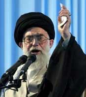 قائد الجيش الإيراني: ننتظر بفارغ الصبر زلة من إسرائيل