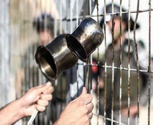 السلطة الفلسطينية تسطو على حقوق الأسرى وذوي الشهداء