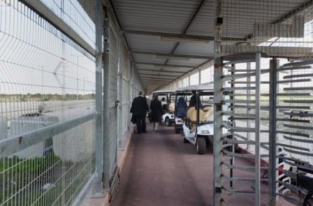 حاجز بيت حانون... مصيدة إسرائيلية لابتزاز الغزيين واعتقالهم