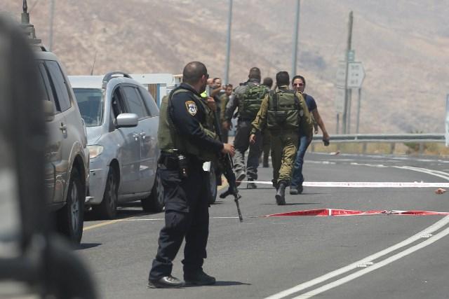 الاحتلال يعتقل فتى بزعم محاولته تنفيذ عملية طعن شرق رام الله