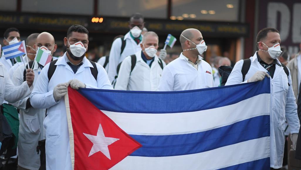 من دروس الكورونا: مقارنة بين التضامن الكوبي والهمجية الرأسمالية