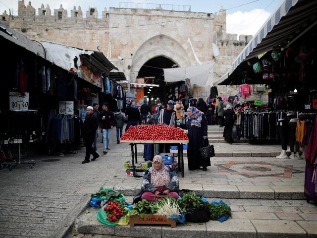 (البنك الدولي) يتوقع انكماش اقتصاد فلسطين11% وزيادة نسبتي الفقر والبطالة بالضفة وغزة