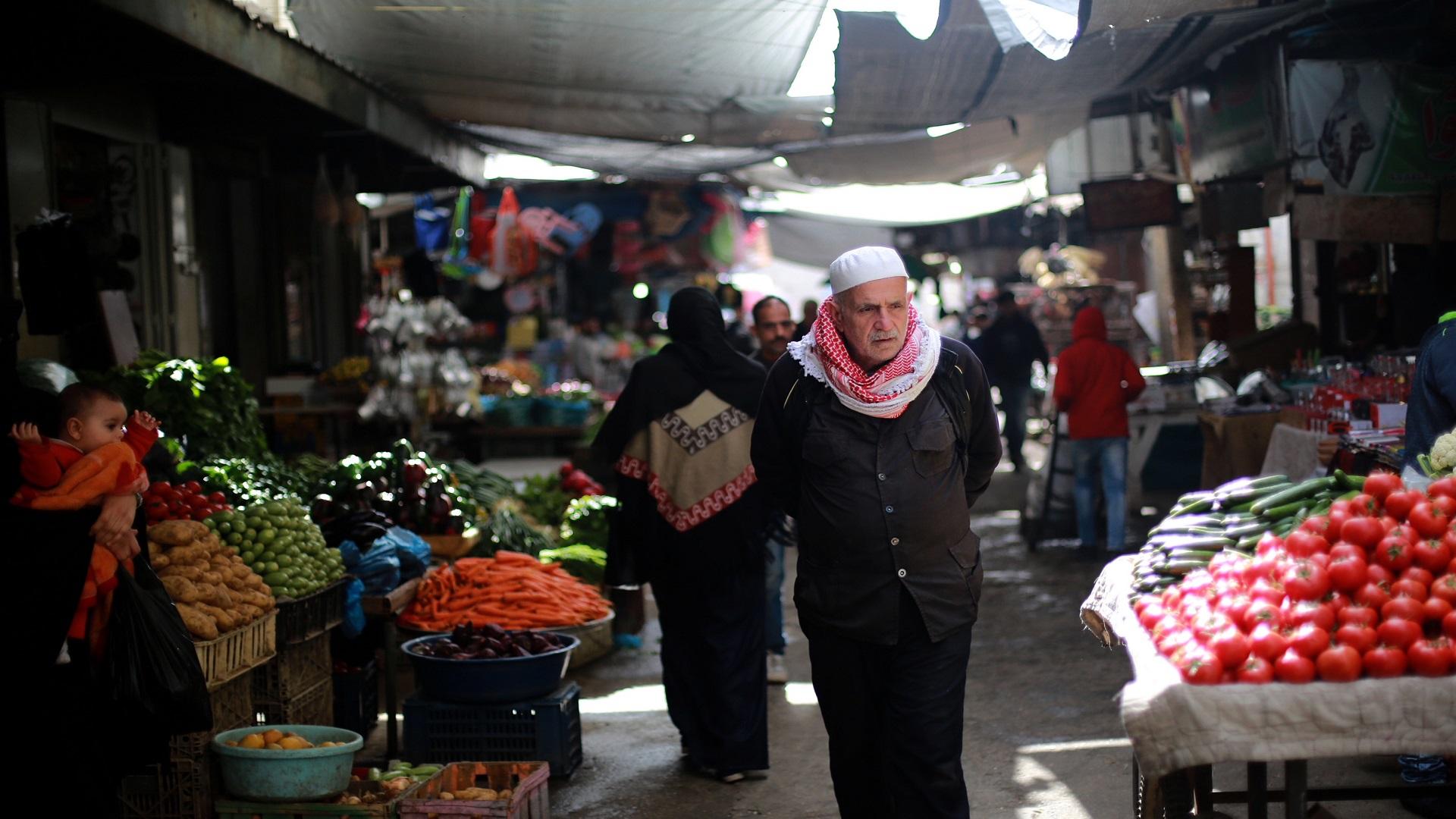 غلاء المعيشة يُسجل ارتفاعًا بمايو بنحو نصف بالمائة