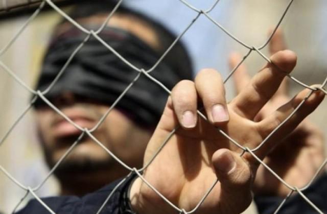 22 أسيرًا بسجن ريمون يشرعون بإضراب عن الطعام