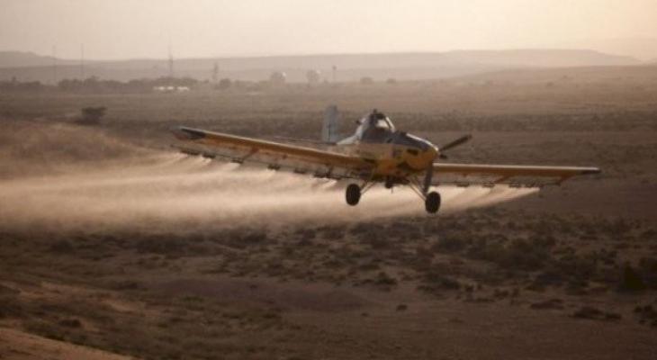 «الديمقراطية»: رش الاحتلال الأراضي الزراعية بمبيدات كيميائية خطوة عدوانية ترقى لجريمة حرب