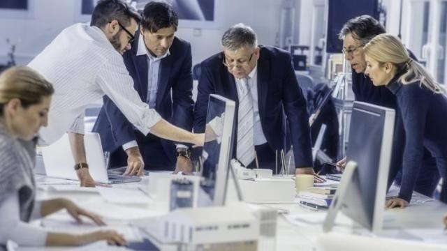 كيف يمكن للموظفين تخفيض مستوى التوتر في العمل